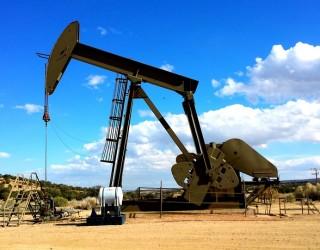 Спадът при петрола натежа над азиатските акции