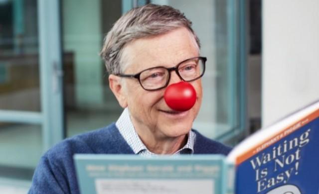 Бил Гейтс: Джобс беше майстор в спасяването на Apple с магии