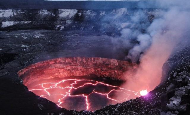 Невероятно откритие: намериха езеро от лава в Антарктика (снимки)
