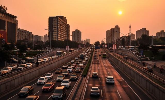 Въпрос с повишена трудност: Колко коли има по пътищата на Китай?