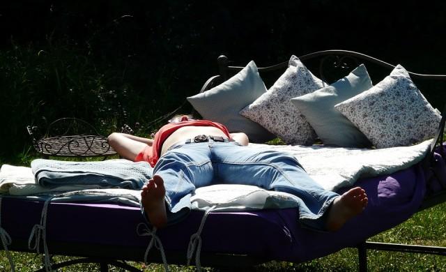 Най-добрата поза на сън за пълноценна почивка