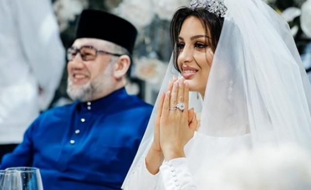 Бившият крал на Малайзия се е развел със своята руска съпруга