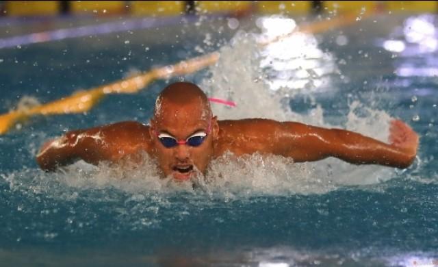 Най-добрият български плувец е с коронавирус