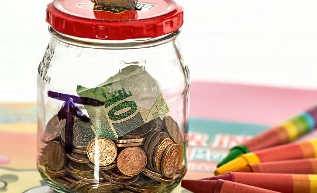 Европейските домакинства спестяват рекордна част от доходите си