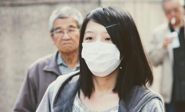 Най-скъпата маска струва хиляди, но не пази от вируси (видео)