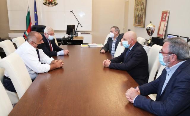 Борисов обсъди с щаба българското лекарство за COVID-19