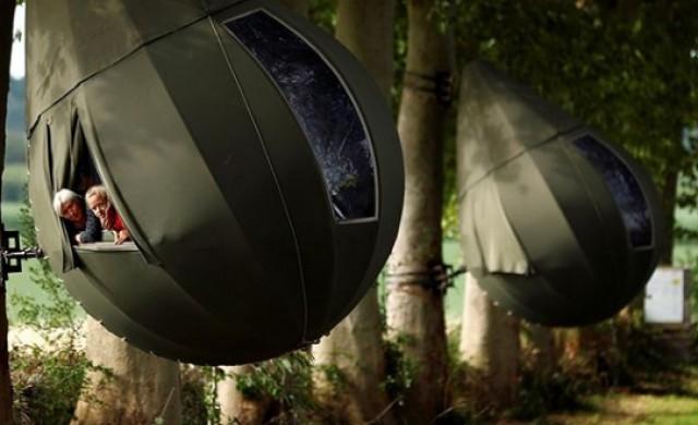 Къмпинг по време на пандемия - в клоните на дърветата