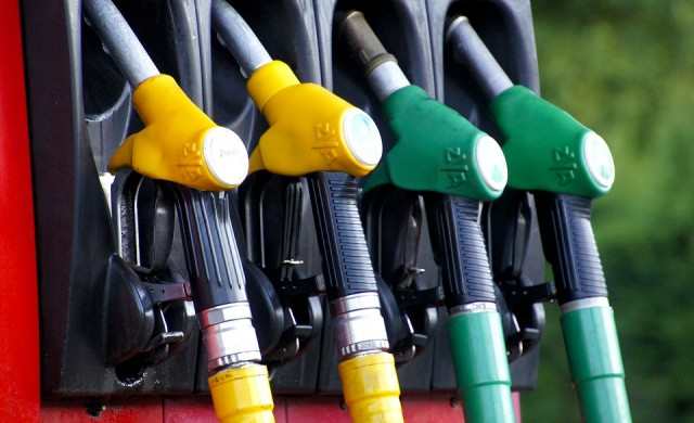 Окончателно: Държавата изгражда минимум 100 бензиностанции
