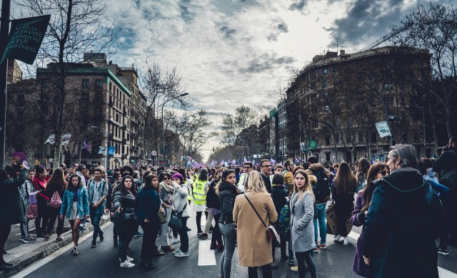 Хиляди на протест в София с искане за оставка на правителството