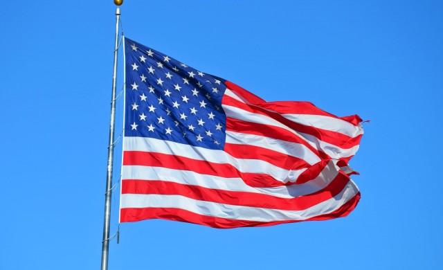 Един на всеки 100 американци е с положителен тест за COVID-19