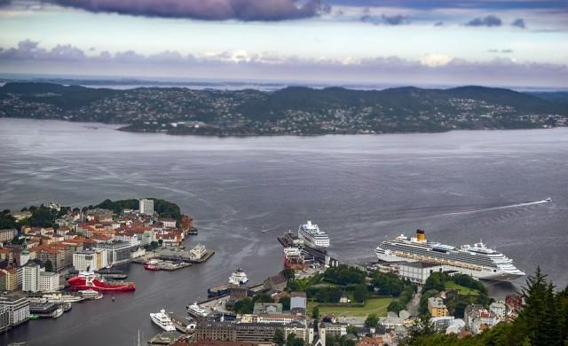 Плаващ басейн ще ви накара да си мечтаете за Норвегия