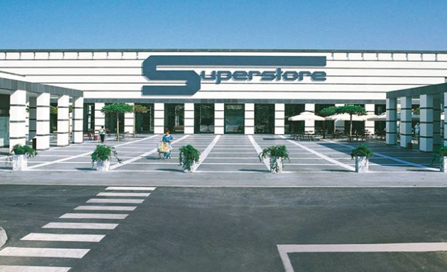Италианска милиардерка бетонира контрола си върху империя от супермаркети