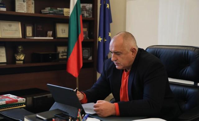 Борисов: Мъчно ми е за полицаите и за невинно битите хора