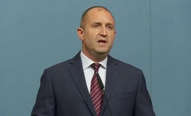 Президентът Радев призова към ненасилие и избягване на провокации
