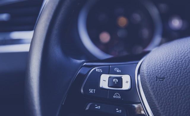 Продажбите на нови автомобили в България с 44% спад за полугодието