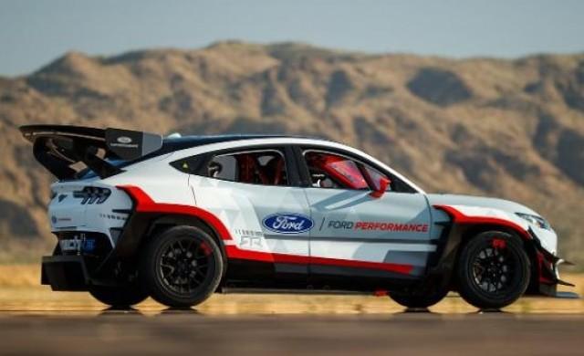 Ford представи електромобила Mustang Mach-E с мощност 1400 конски сили