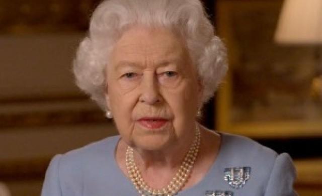 Как Елизабет II показва какво не й е вкусно