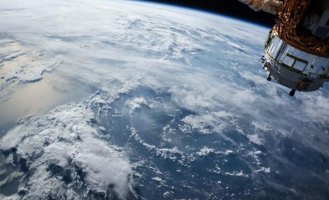 Тоалетната на SpaceX Crew Dragon разкрива удивителна гледка (снимки)