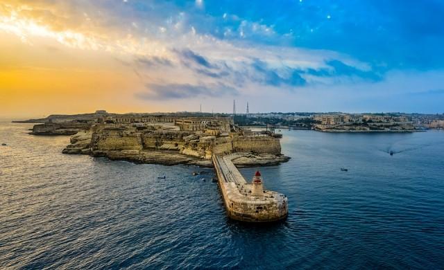 Малта се отказа да затваря границите си за неваксинирани