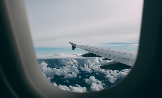 Градушка потроши самолет в полет над Италия (снимки)