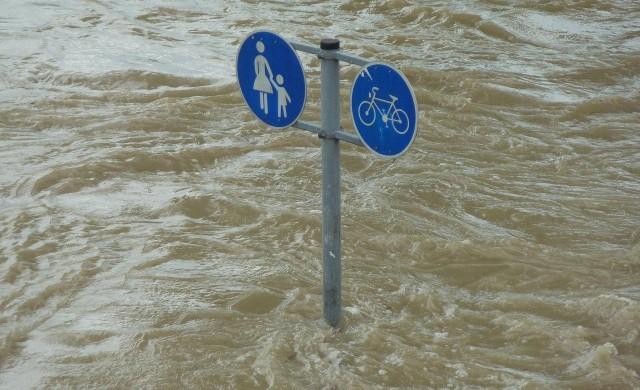 След тежките наводнения в Европа: 1300 души в Германия са в неизвестност