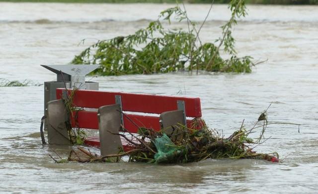 Жертвите от наводненията в Белгия вече са 23, ЕС осигурява помощ