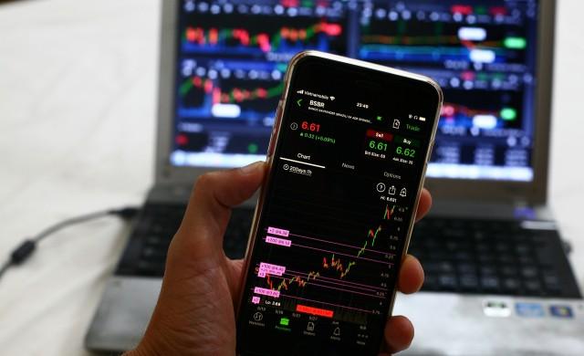 Опасността от нова вълна на пандемията разтревожи инвеститорите