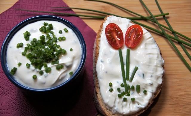 Кои са най-добрите здравословни закуски за децата ви?