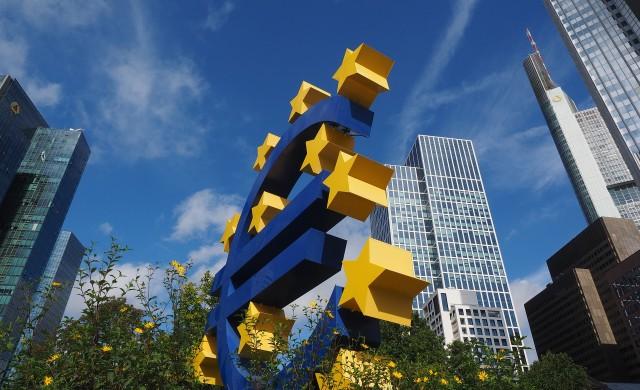 ЕЦБ: Очаква се леко затягане на кредитните условия за фирмите в еврозоната