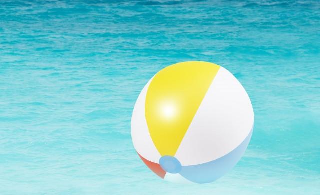 Нов Гинес рекорд: 356 подавания на надуваема топка за 3 минути