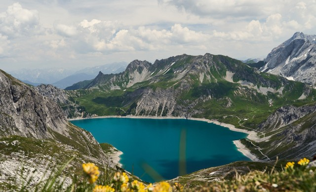 Топящите се алпийски ледници са създали 1000 нови езера