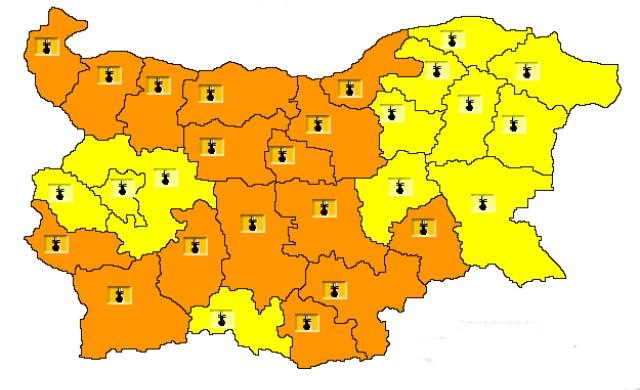 Оранжев код за опасни жеги е обявен в 16 области