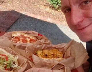 Какво се случва с тялото на човек, който изяжда 76 хотдога за 10 минути