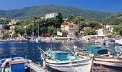 Пожарите в Гърция не са засегнали сериозно туристическия поток в страната
