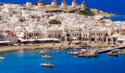 Чуждестранни туристи създават напрежение на гръцките острови