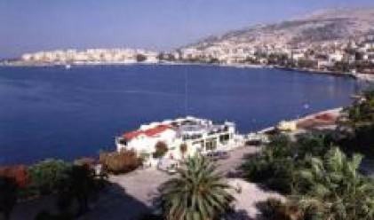 Около сто хиляди македонски туристи почиват това лято по албанското крайбрежие