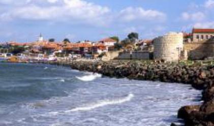 Рушат етажи, за да спасят от събаряне имоти по морето