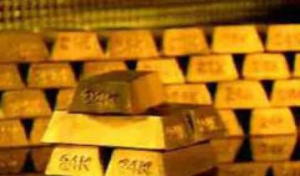 Умерен ръст на златото и петрола в началото на седмицата