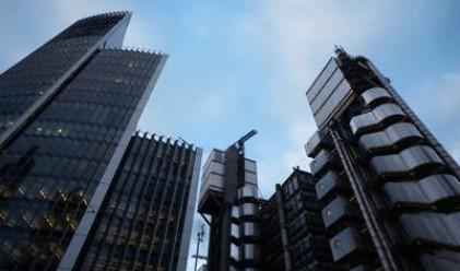 Групата Lloyds със загуба от 3.1 млрд. лири за полугодието