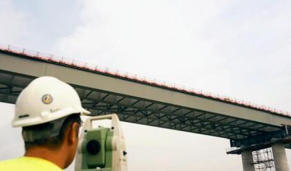 Ремонтират ударно 10 моста в центъра