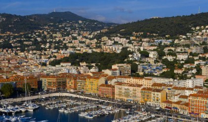 Цените на ваканционните имоти се сринаха със 70 на сто