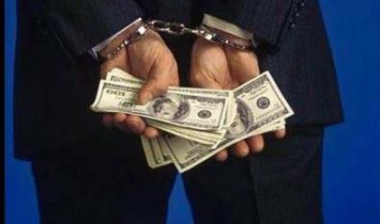 Бивш милионер ограбва будки за вестници