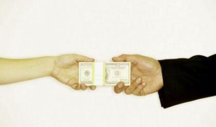 Българите пращат по 2 млн. лв. на ден у нас