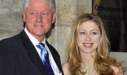 Бил Клинтън се страхува за живота си