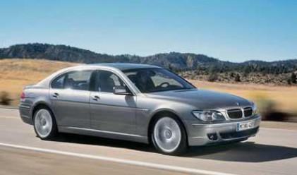 Данъчни проверяват кой кара най-скъпите коли в България
