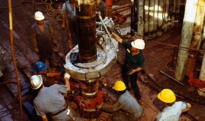 Цената на петрола нарасна почти до 73 долара за барел