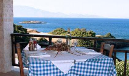Таверните в Гърция вдигат цените