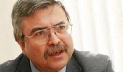 Според  Е. Хърсев България ще остане встрани от кризата