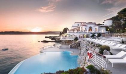 Най-удивителните хотелски басейни
