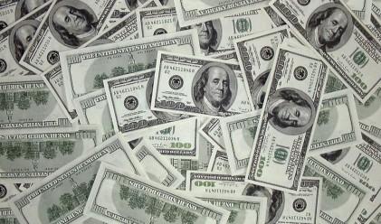 Доларът поскъпва с до 30% до година?